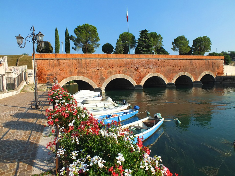 By bike from peschiera del garda to mantua