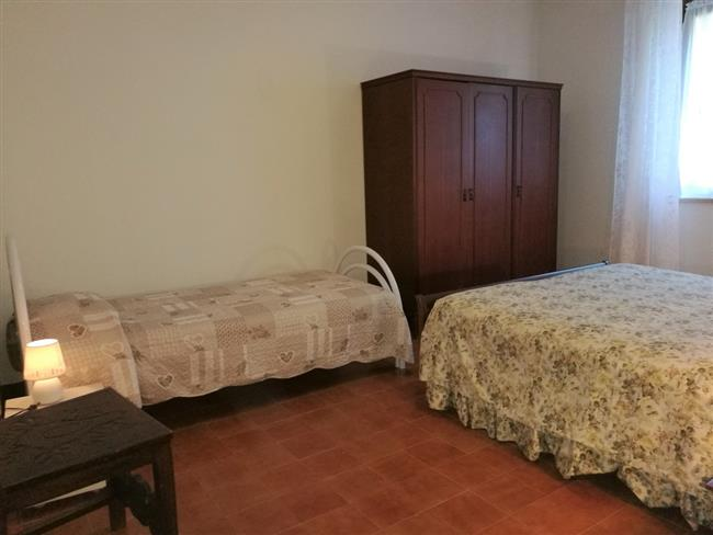 Double bedroom + 1 single bed