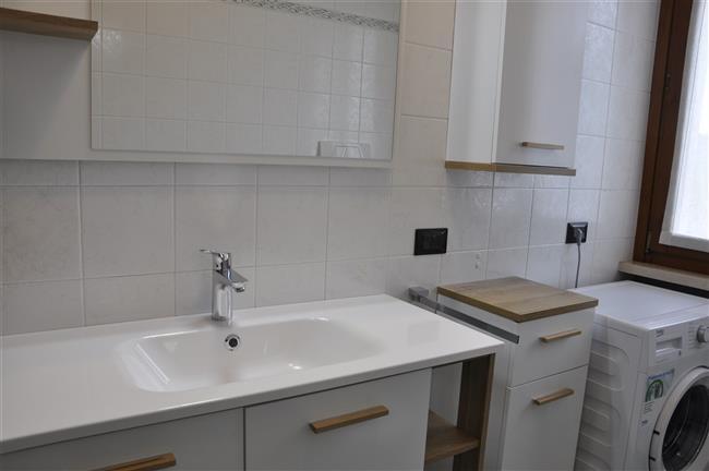 Dettaglio del bagno. Appartamento Berto Lazise