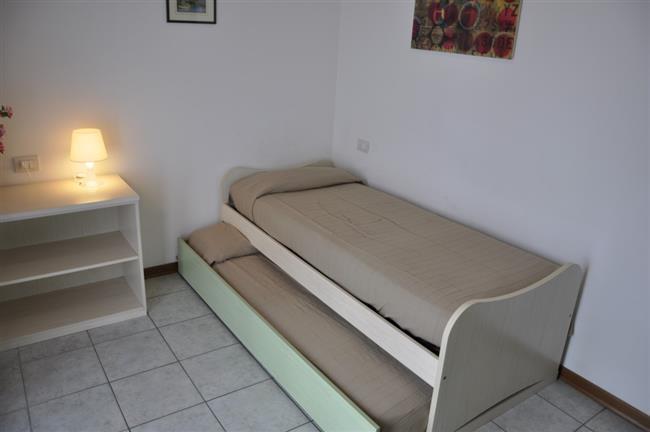 Letto e un letto estraibile