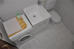 secondo bagno con lavatrice